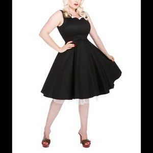 Black Scallop Dress White Tulle Large US 10